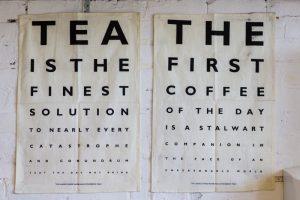 Få dit yndlingscitat på væggen med en flot og sjov citatplakat