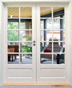 Glasdøre giver større lysindfald i boligen og udstråler tidløs elegance