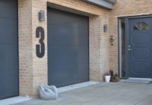 Store og synlige husnumre gør det nemt for folk at finde dig