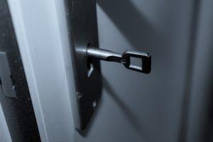 Sørg for, at døren lukker ordentligt - selvom den ikke er låst