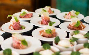 Catering gør det meget nemmere for dig at holde fest