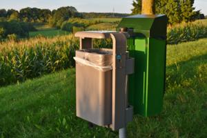Skån miljøet med udendørs affaldsstativer